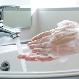 washing hands during cold and flu season